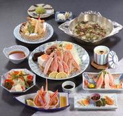 前菜、かに豆腐又は茶碗蒸し、かに酢、かに造り、かにサラダ、かに天婦羅、ぞうすい、香の物、デザート