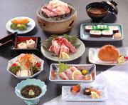 前菜、もずく、かに豆腐、タラバ造り、かにサラダ、しゅうまい、甲羅揚げ、ご飯/太巻、みそ汁、デザート