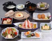 前菜、かに豆腐、かに酢、かにサラダ、しゅうまい、グラタン、磯辺揚げ、ご飯・香の物、みそ汁、デザート