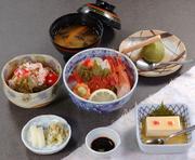 (豆腐・かにサラダ・みそ汁・デザート付、お昼のみ)  **日祝ランチOK!**