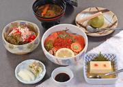 (豆腐・かにサラダ・みそ汁・デザート付、お昼のみ)