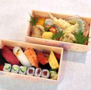 上段)季節の天麩羅、炊き合わせ盛り込み 下段)お祝い寿司