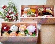 上段:季節の炊き合わせ 下段:人気の手まり寿司