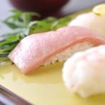 昔からのお鮨本来の味を、くつろいで味わえるお店