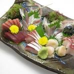 刺身が得意などんべえ。季節の活魚が超おすすめ。
