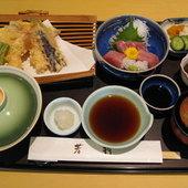 天ぷら定食とミニお刺身セット
