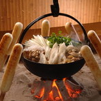 きりたんぽ鍋、しょっつる鍋、新鮮な山海料理がメイン