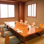 御用料理人や50年余の主人の目利きや板前のこだわり旬の素材が織りなす日本料理の醍醐味をご堪能ください 大小7室の和室をご用意 魚料理 遠州屋で美味しい時間をお過ごし下さいhttp://www.enshuuya.co.jp