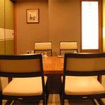 様々な個室をご用意しております。ご希望に応じまして、高座椅子や掘りごたつ席のご用意もいたします。