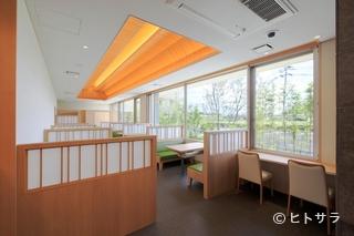 うなぎ 日本料理 とくなが中の瀬本店の料理・店内の画像1