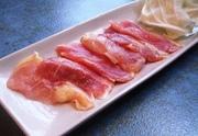 最近復活した幻の地鶏天草大王のランチ(80g)とご飯、味噌汁、サラダバー付き