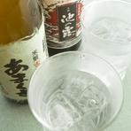 創業100年をこえる「天草酒造」の焼酎をはじめ地元のお酒が豊富