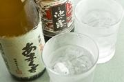 創業100年をこえる天草唯一酒蔵「天草酒造」の焼酎をはじめ地元熊本の焼酎/冷酎/日本酒/ワインを揃えました