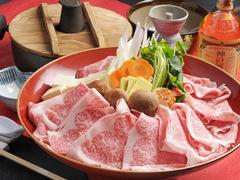 皆さんと鍋を囲んでワイワイといかがですか?テーブル毎に料理を変えて、バイキングの様にも出来ます。