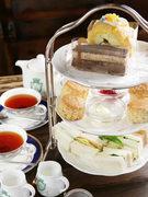 サンドウィッチ+スコーン+お好きなケーキ+紅茶 or 中国茶 or ハーブティー