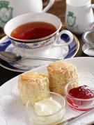 スコーン+紅茶 or 中国茶 or ハーブティー(ドリンク価格+200円)