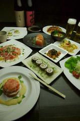 お料理が8品、ドリンク飲み放題二時間半付いて4000円ジャスト。