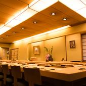 北海道だけでなく全国からいいネタが、お酒が、集まるお店です