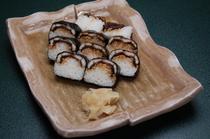 当店オリジナルの焼き方でお出しする「うなぎ棒寿司」