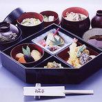 観光 本丸弁当 2000円