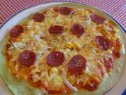 ポパイのピザは「ポパイ」だけに、ほうれん草を練りこんだ緑色の生地で、クリスピータイプのパリパリ触感。