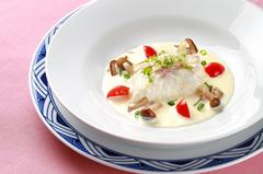 お箸でいただく懐かしの西洋料理。 大正ロマンの香りをゆったりお楽しみいただけます。