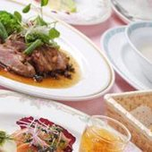 フランス料理の代表的な『鴨ロース』を本格的なソースで仕上げ