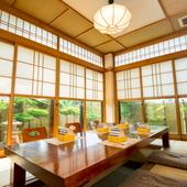ご人数に合わせた個室と季節の和会席コースでお客様をおもてなし