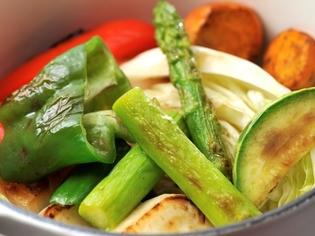 ルクルーゼ鍋でおいしさをさらに引き出した「有機野菜」