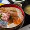 海老、しめ鯖、イカ、イクラ、ネギトロが入った『磯丼』も人気