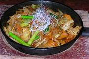 テンメンジャンとトウバンジャンでピリ辛に炒めました。