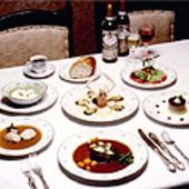 心が和む温かい雰囲気、旬の素材を取り入れたフランス料理屋