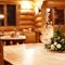 京都北山杉が香る本格ログハウス。大自然の中でお食事をどうぞ