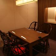 ゆったりとした完全個室なので、御会食などにも最適です。(※個室料が別途かかります)
