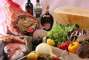 シンプルな素材を大胆に。イタリアの家庭の味をお楽しみください