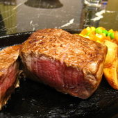 焼きたてのステーキをミディアムレアで♪
