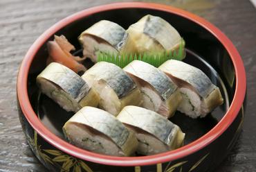 長崎産の美味しい鯖に料理人の腕が光る『ばってら』