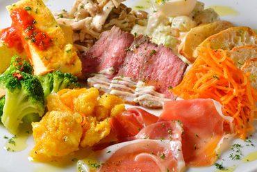 まずはコレ!シェアして食べるのがイタリア風!!前菜盛り合せ