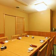 4~12名様で個室もご用意。落ち着いた空間で接待や法事もどうぞ