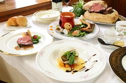 ランチ 3600円  ディナー 4200円 (ワンドリンク付き) お魚・お肉料理を両方召し上がって頂けるコースです。