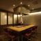 鉄板のある個室も用意しています。