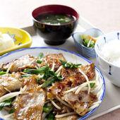 千葉県産の豚バラ肉を使用。ニラともやしがマッチした最高の味