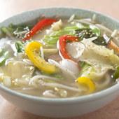 緑黄色野菜がたっぷり入った体に優しいタンメン
