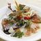 地元の魚介をはじめ、旬の食材が味わえます。