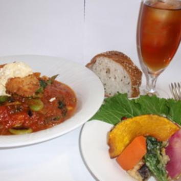 Aコース(前菜10種、パスタ、パン、魚メイン、アイス、コーヒー)