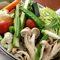 季節野菜の温かいサラダ アンチョビソースでどうぞ