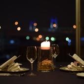 デートに最適。夜景を見ながら、ロマンチックなプロポーズも