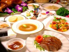中国の山海珍味、旬の素材を日本流にアレンジした色とりどりのコース料理