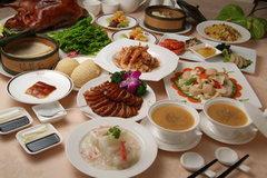 接待ならこちらが一番人気です。北京ダックと中国の味覚を堪能できるコース