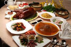 全聚徳自慢の北京ダック、高級銘菜を盛り込んだ絶品のコース